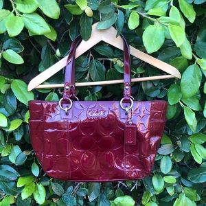 COACH GALLERY EMBOSSED TOTE PAT. LEATHER EAST WEST